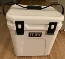 New without tags YETI Roadie 24 Hard Cooler White