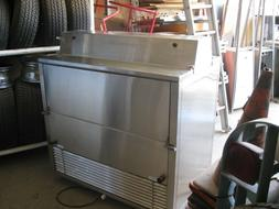 Speedee Serv MC492 Portable Refrigerated Milk Cooler on whee